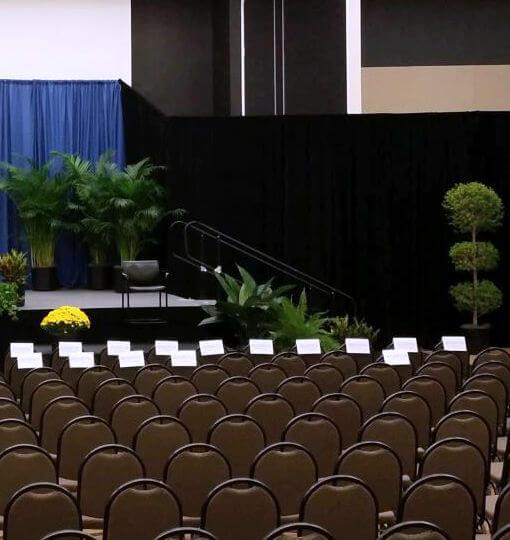 Plantas en salones de congresos